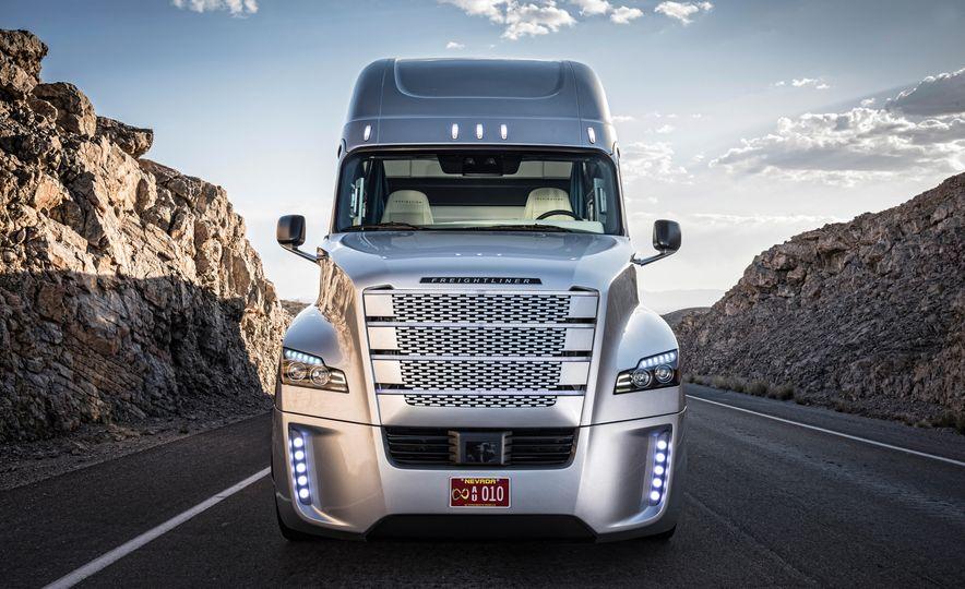 Freightliner Inspiration autonomous semi truck - Slide 10