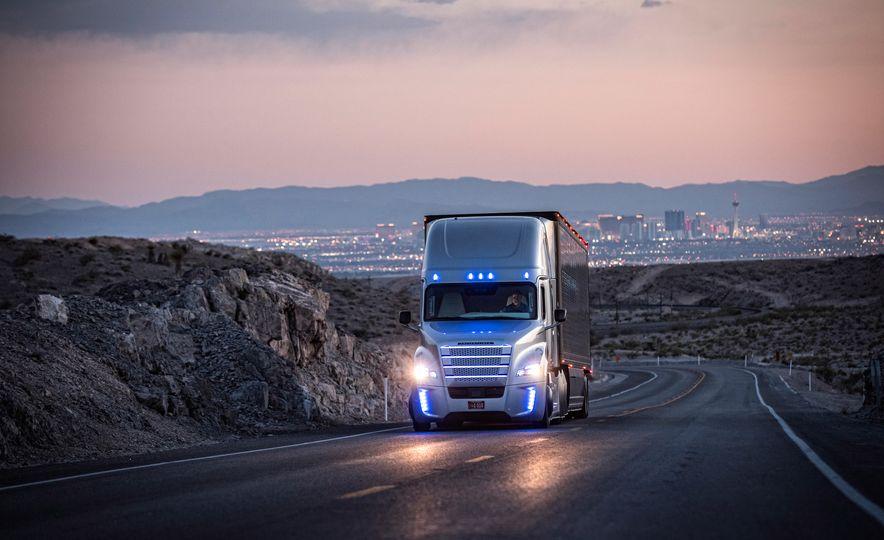 Freightliner Inspiration autonomous semi truck - Slide 13