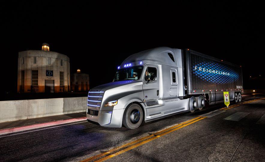Freightliner Inspiration autonomous semi truck - Slide 16