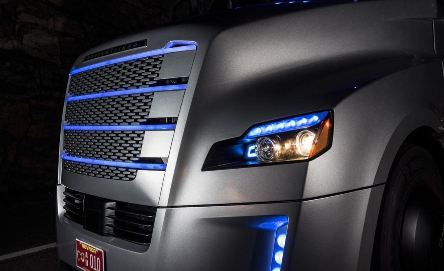 Freightliner Inspiration autonomous semi truck - Slide 17