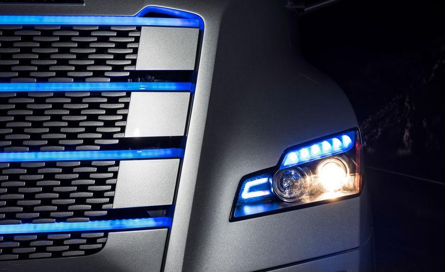 Freightliner Inspiration autonomous semi truck - Slide 18