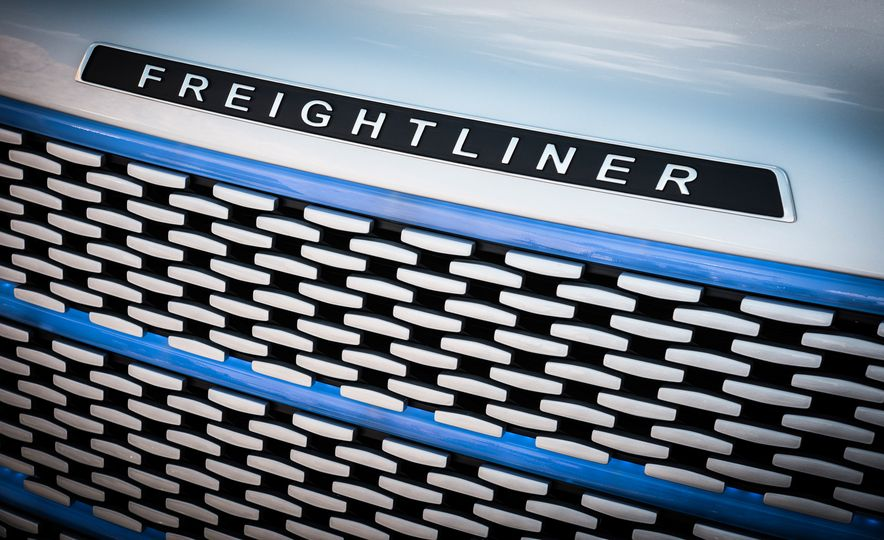 Freightliner Inspiration autonomous semi truck - Slide 19