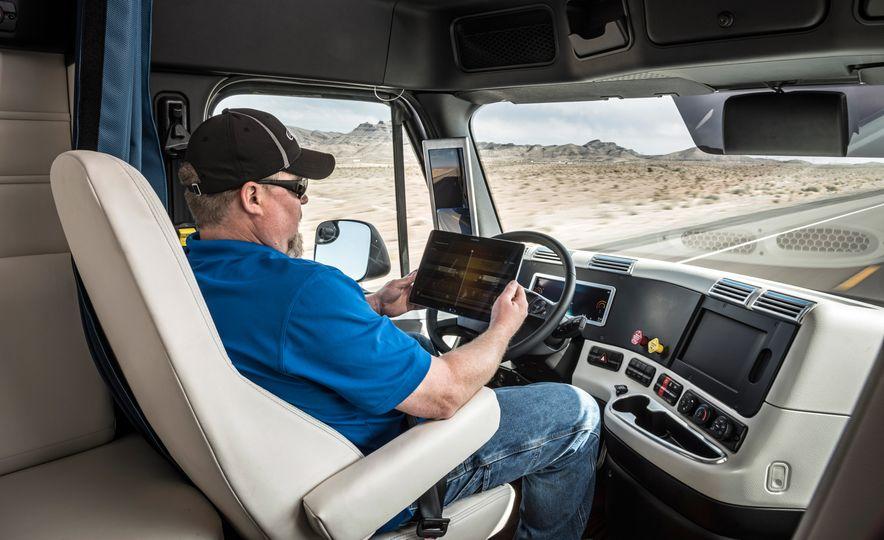 Freightliner Inspiration autonomous semi truck - Slide 23