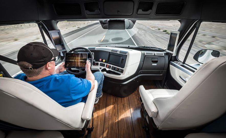 Freightliner Inspiration autonomous semi truck - Slide 24