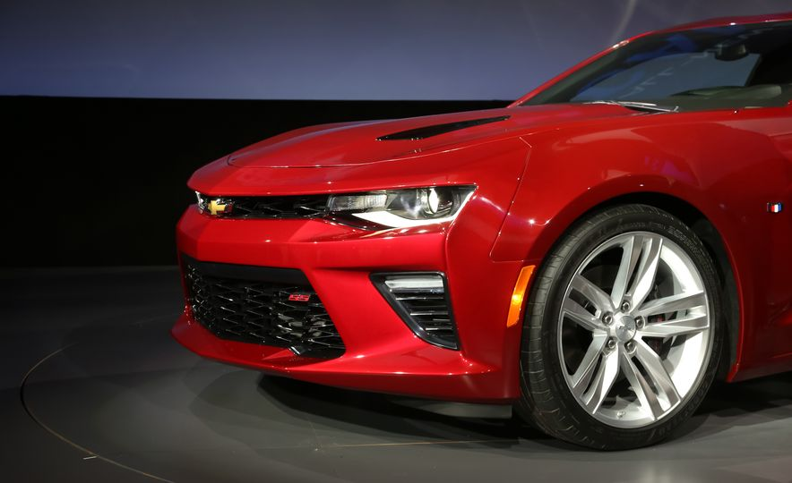 2016 Chevrolet Camaro RS - Slide 41