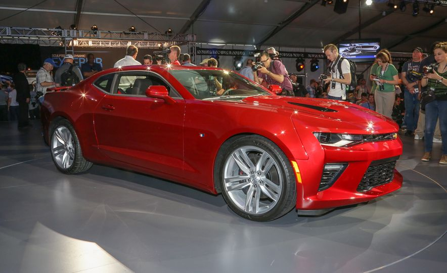 2016 Chevrolet Camaro RS - Slide 34