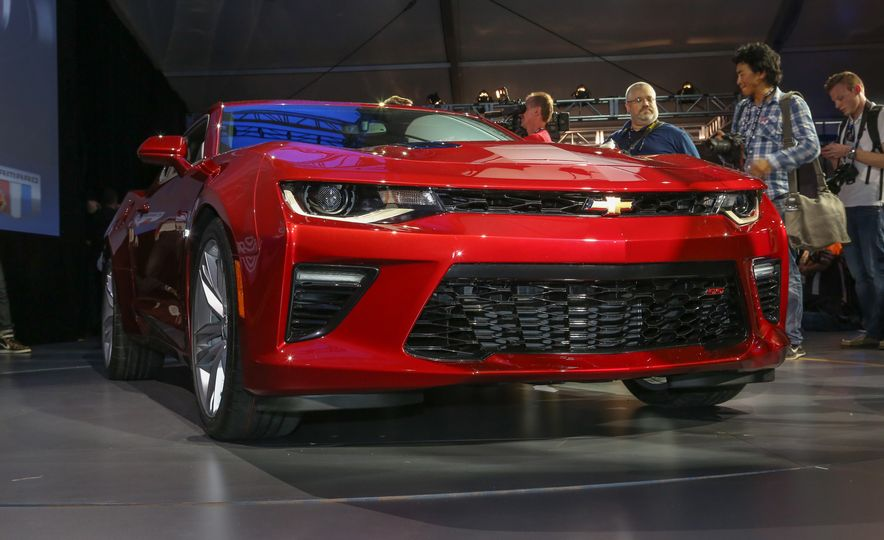 2016 Chevrolet Camaro RS - Slide 38