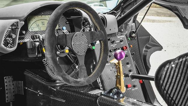 McLaren F1 GTR Longtail: A Racing Car For the World\'s Biggest Top ...