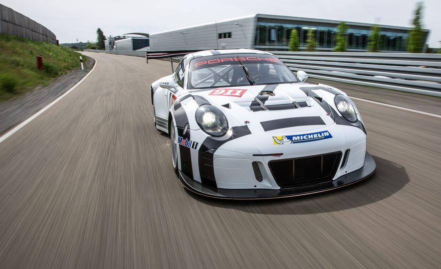 Porsche 911 GT3 R race car - Slide 1