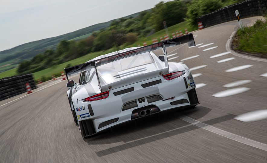 Porsche 911 GT3 R race car - Slide 4