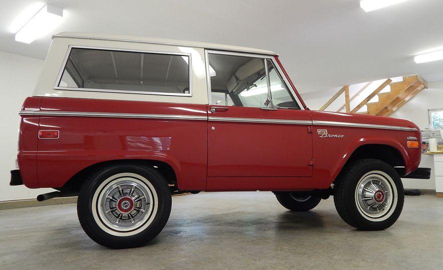 1970 Ford Bronco Sport - Slide 4