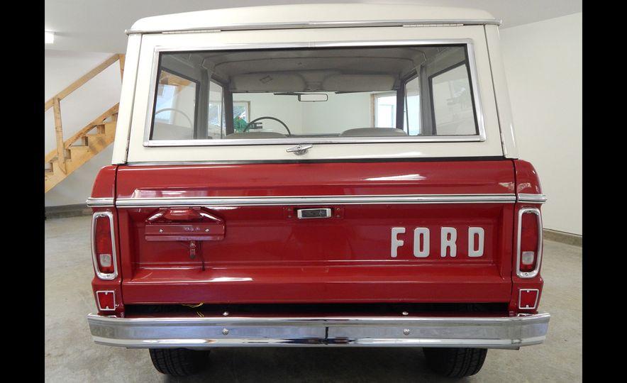 1970 Ford Bronco Sport - Slide 6
