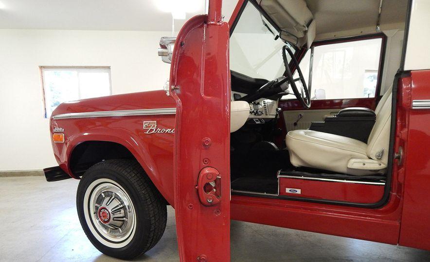 1970 Ford Bronco Sport - Slide 12