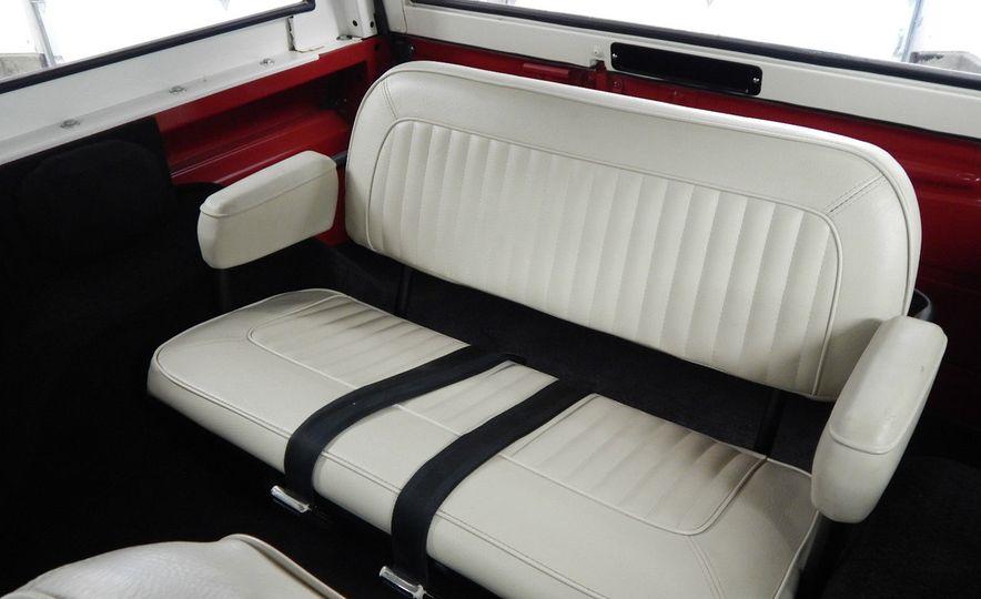 1970 Ford Bronco Sport - Slide 19