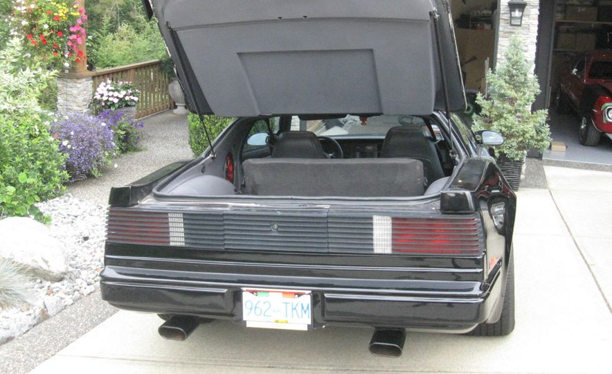 "1987 Pontiac Firebird Trans Am GTA ""Italia"" - Slide 6"