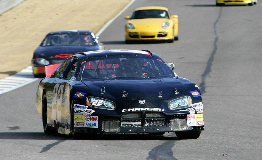 2005 Dodge Charger ARCA racecar - Slide 2