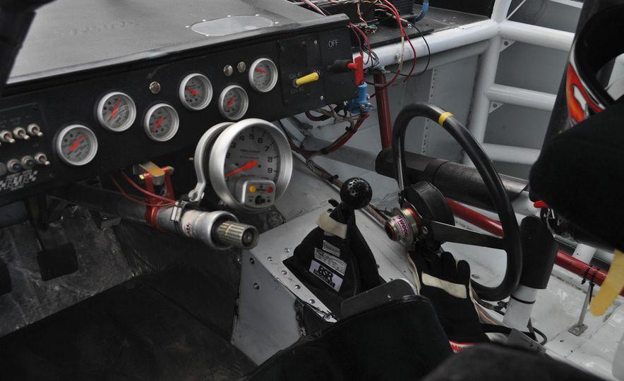 2005 Dodge Charger ARCA racecar - Slide 3