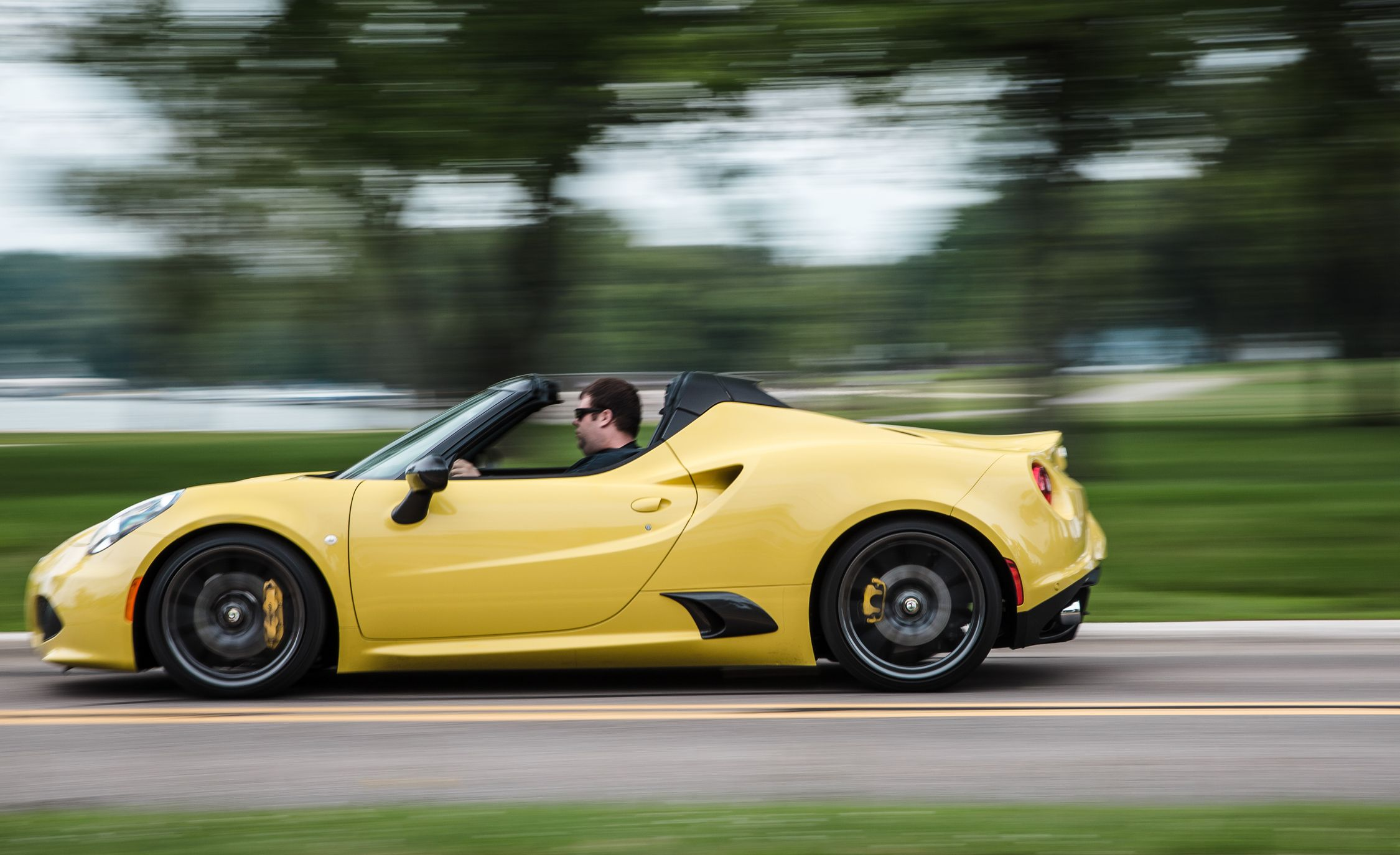 Alfa Romeo 4C Reviews | Alfa Romeo 4C Price, Photos, and Specs | Car