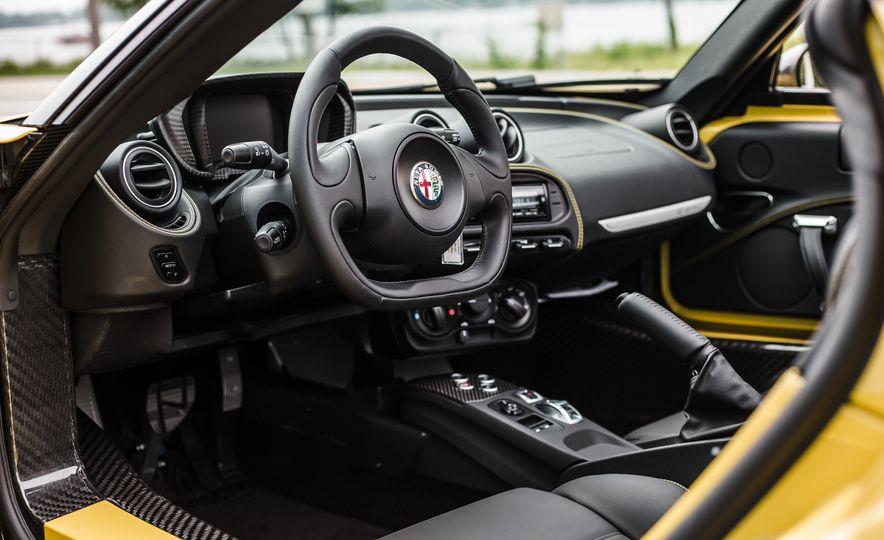 2015 Alfa Romeo 4C Spider - Slide 37