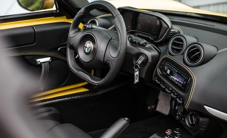 2015 Alfa Romeo 4C Spider - Slide 38