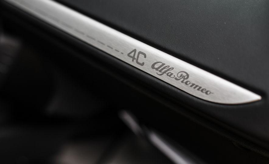 2015 Alfa Romeo 4C Spider - Slide 45