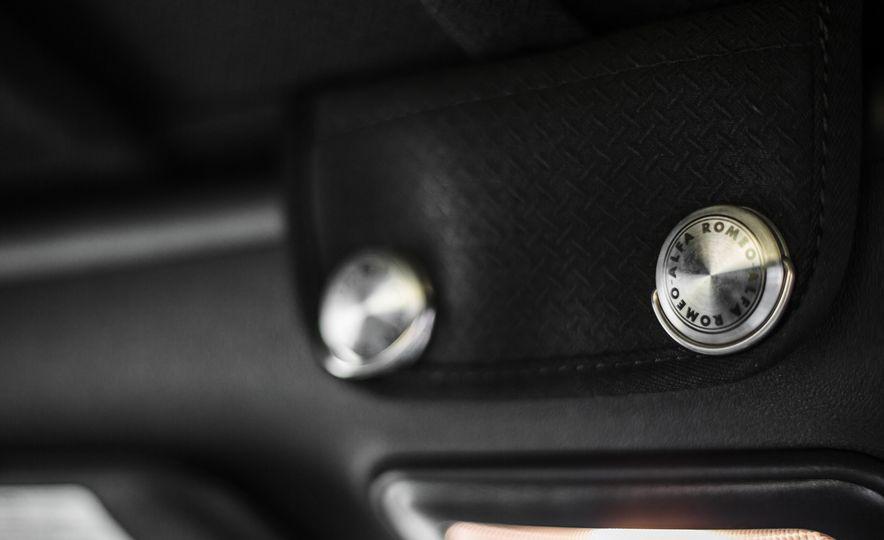 2015 Alfa Romeo 4C Spider - Slide 46
