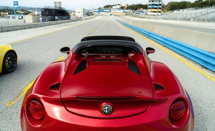 2015 Alfa Romeo 4C spiders - Slide 70