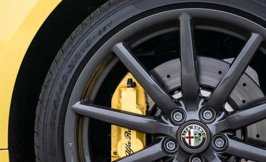 2015 Alfa Romeo 4C spiders - Slide 140