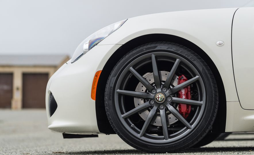 2015 Alfa Romeo 4C spiders - Slide 152