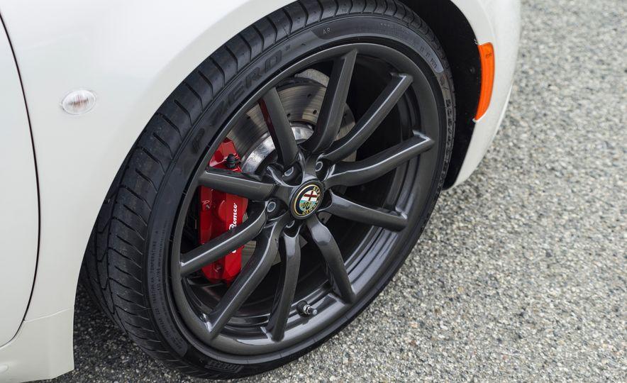 2015 Alfa Romeo 4C spiders - Slide 153