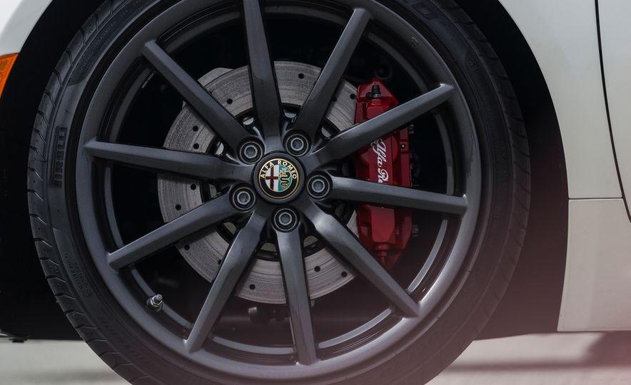 2015 Alfa Romeo 4C spiders - Slide 154