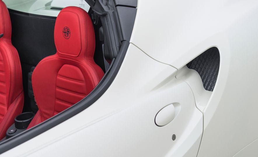 2015 Alfa Romeo 4C spiders - Slide 155