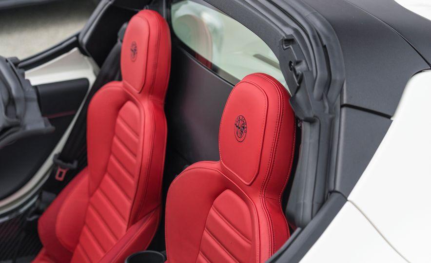 2015 Alfa Romeo 4C spiders - Slide 160