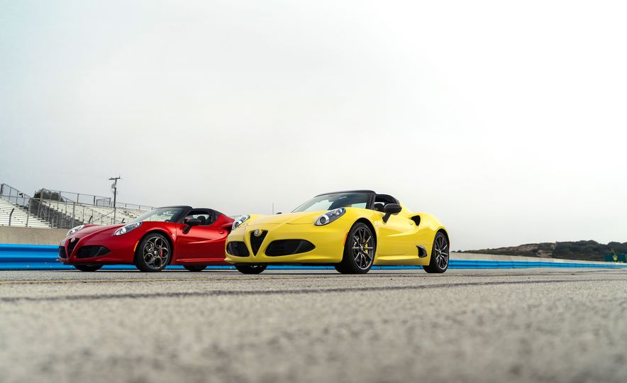 2015 Alfa Romeo 4C spiders - Slide 17