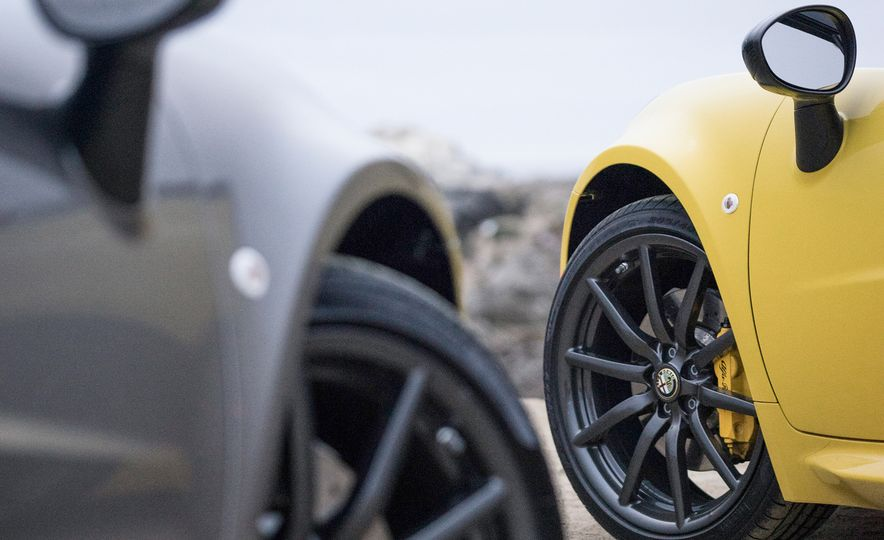 2015 Alfa Romeo 4C spiders - Slide 39