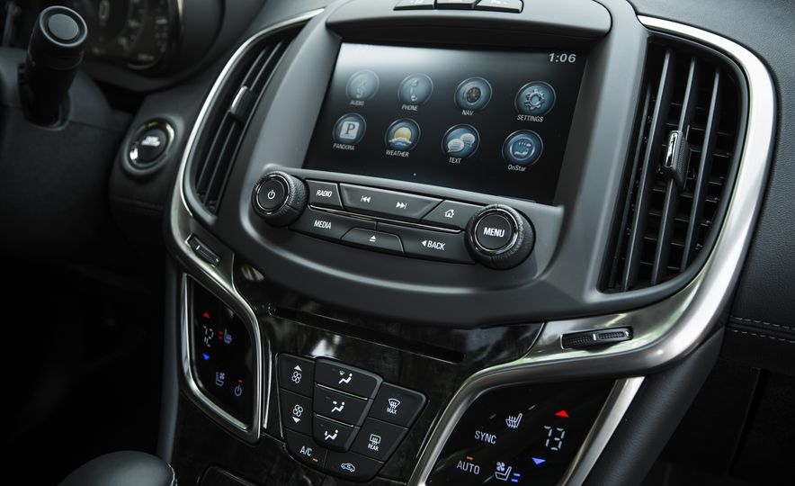 2015 Buick LaCrosse Premium 2 - Instrumented Test - Slide 30