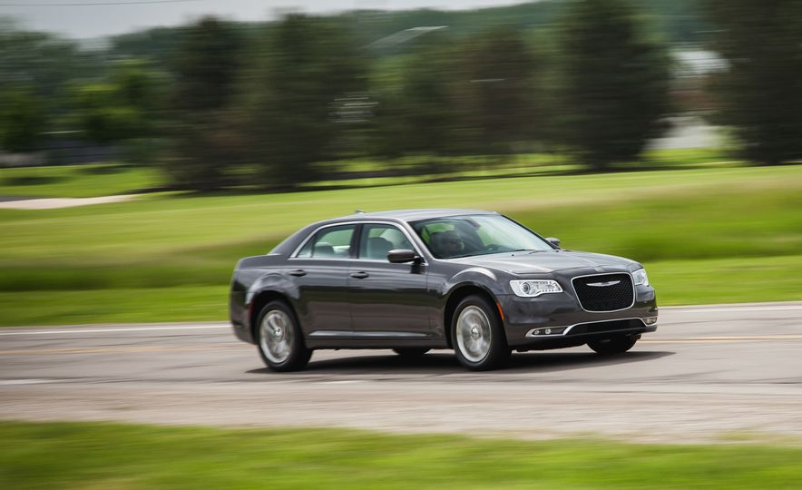 2015 Chrysler 300 AWD - Slide 1