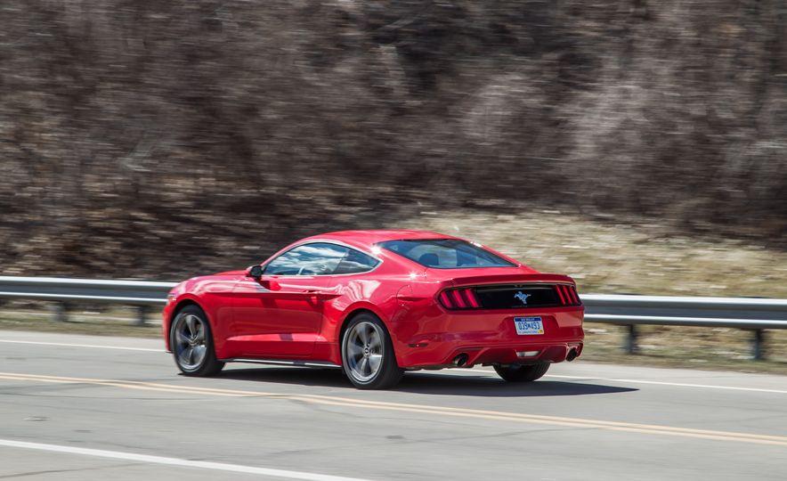 2015 Ford Mustang - Slide 4
