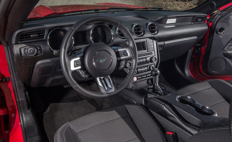 2015 Ford Mustang - Slide 11