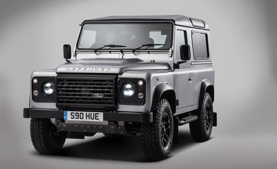 2015 Land Rover Defender 2,000,000 Edition - Slide 7
