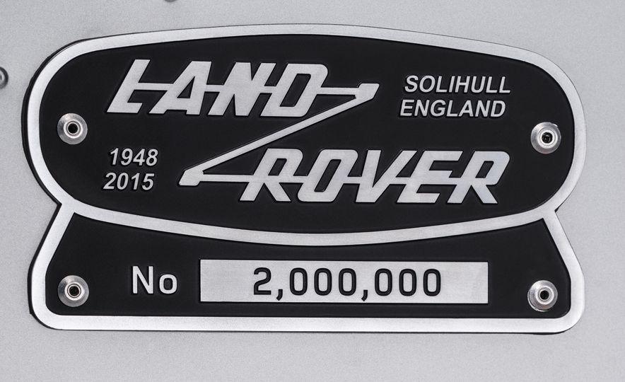 2015 Land Rover Defender 2,000,000 Edition - Slide 25