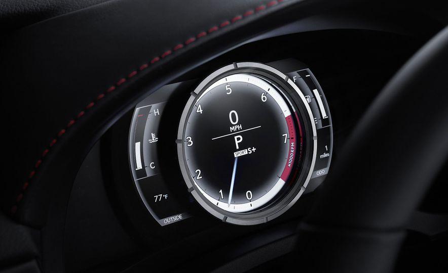2016 Lexus IS200t F Sport - Slide 19