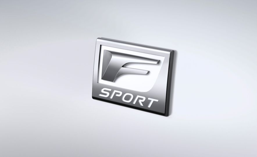 2016 Lexus IS200t F Sport - Slide 24