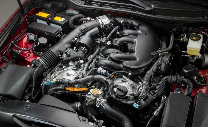 2016 Lexus IS200t F Sport - Slide 26