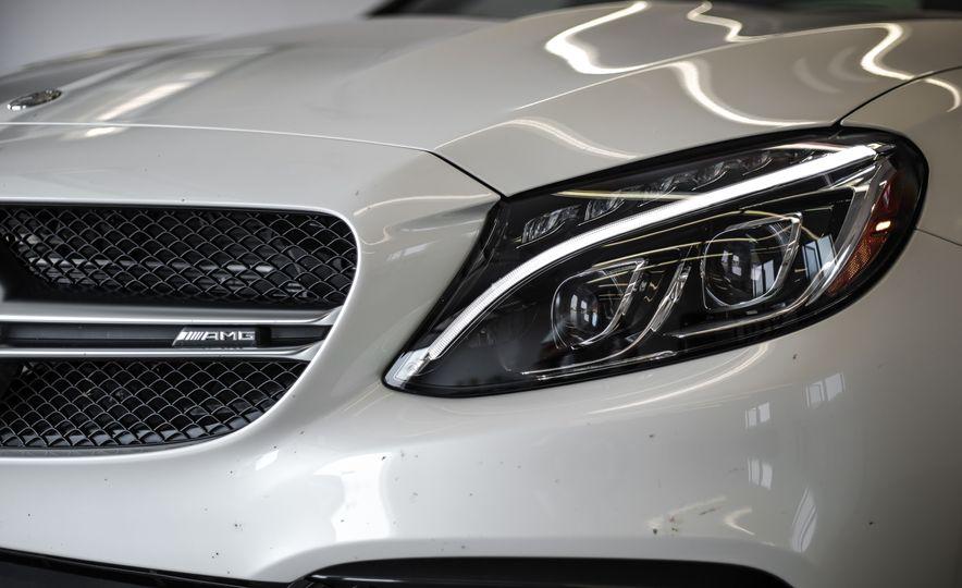 2015 Mercedes-AMG C63 S-Model - Slide 13