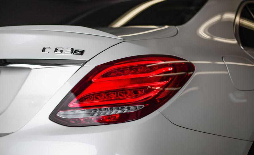 2015 Mercedes-AMG C63 S-Model - Slide 17