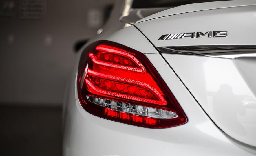 2015 Mercedes-AMG C63 S-Model - Slide 18
