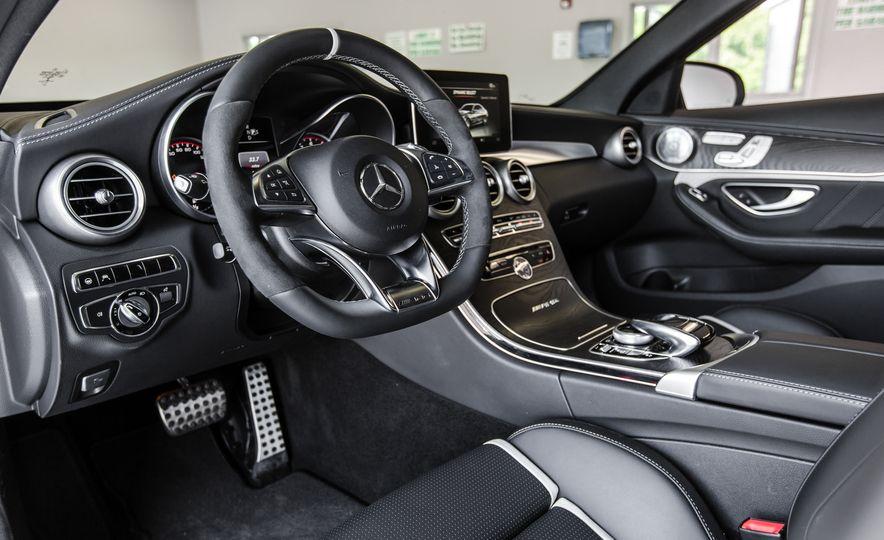 2015 Mercedes-AMG C63 S-Model - Slide 21