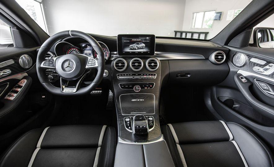 2015 Mercedes-AMG C63 S-Model - Slide 23