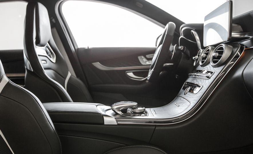 2015 Mercedes-AMG C63 S-Model - Slide 25